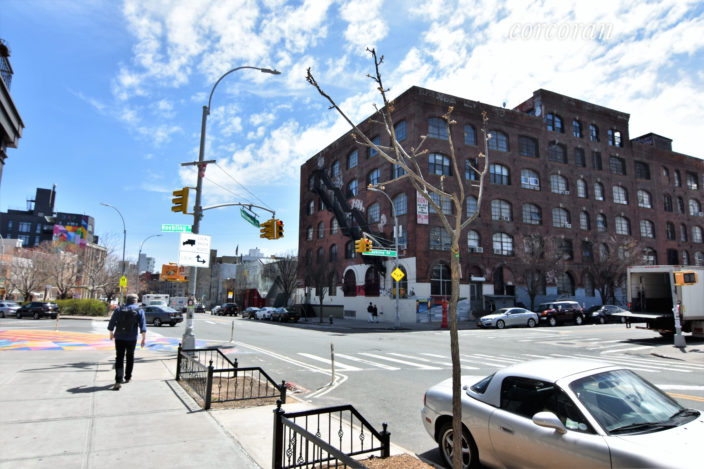285 Metropolitan Ave GRD-FLR, Brooklyn, NY 11211