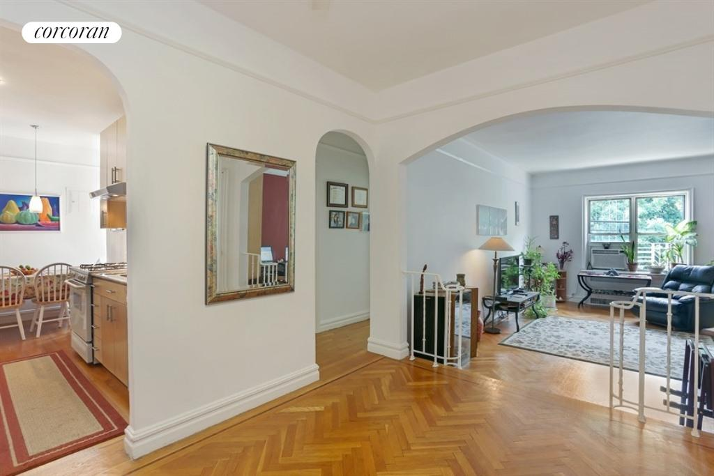 91 PAYSON AVE, 7J, Entry Foyer