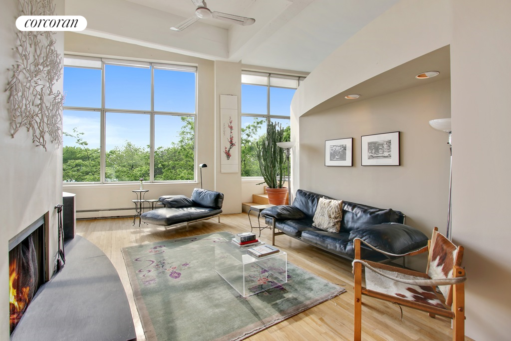 377 West 11th Street, 2G, Living Room