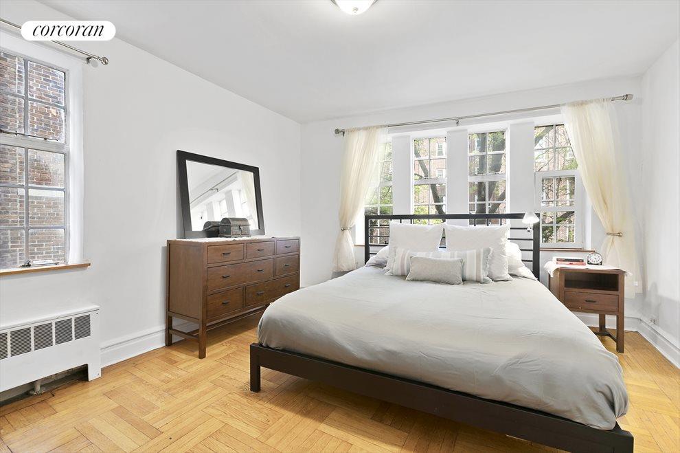 Sunny corner king-sized master bedroom