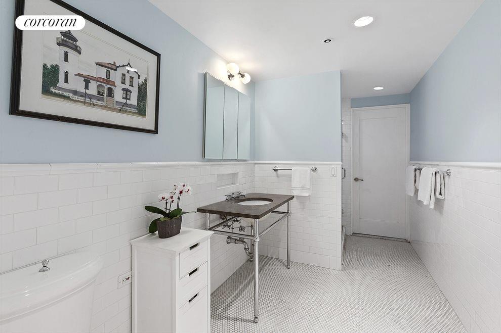 Luxurious on Suite Master Bathroom