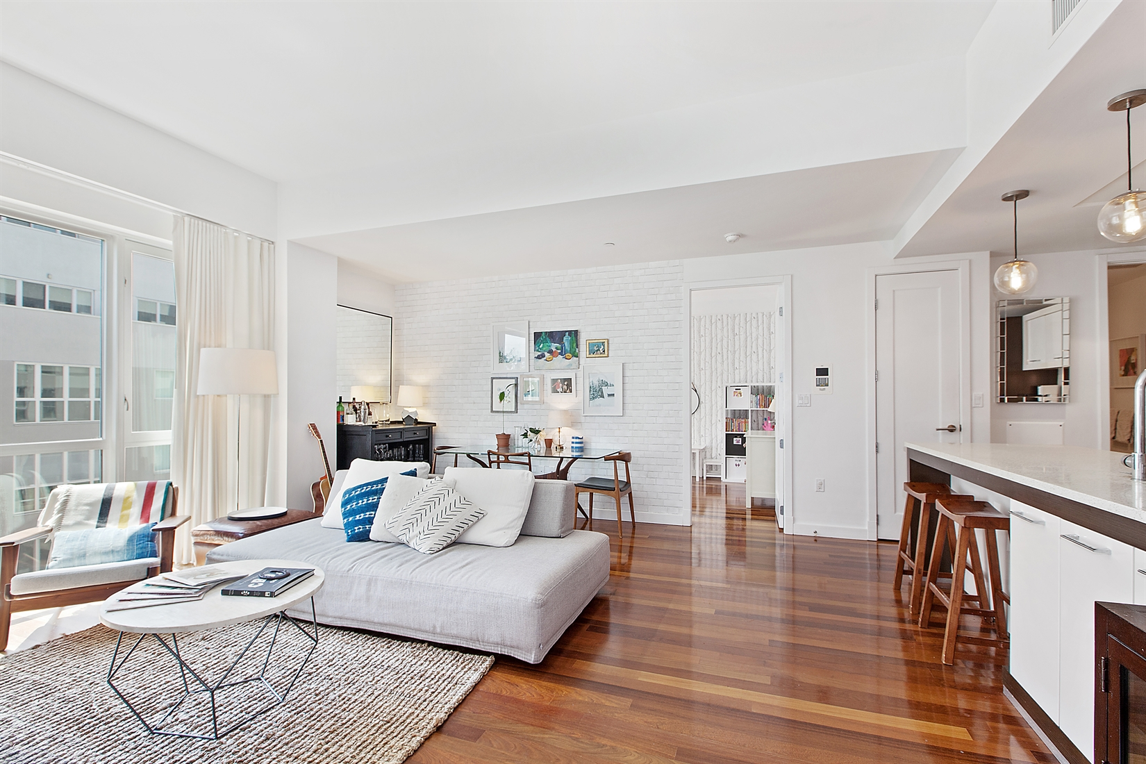125 North 10th Street, N4D, Living Room