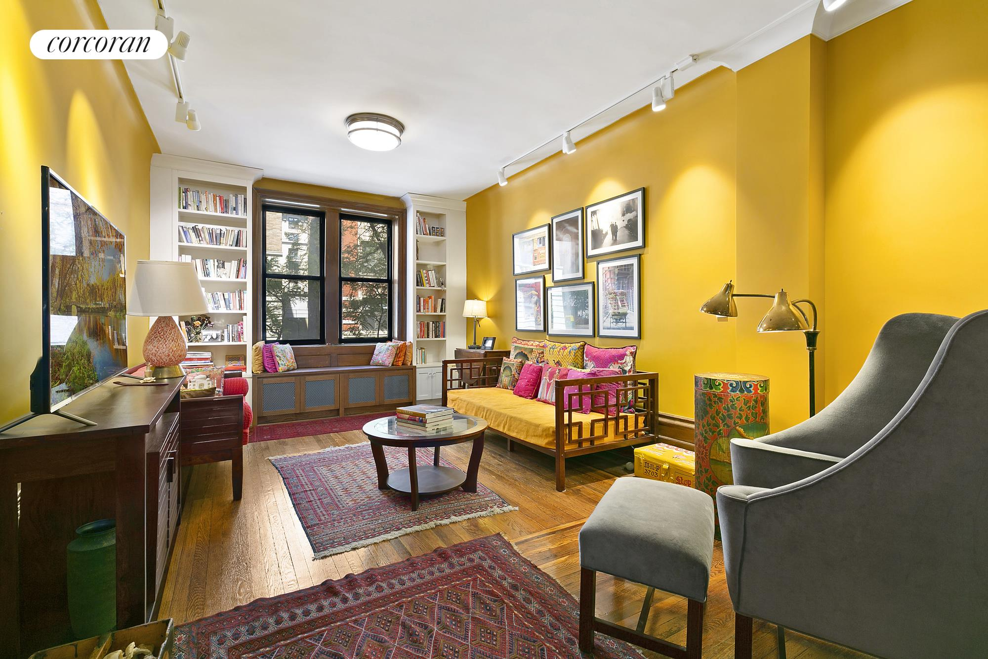 532 West 111th Street, 27, Living Room
