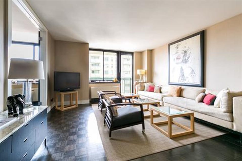 New York City Real Estate | View East 40th Street | room 3