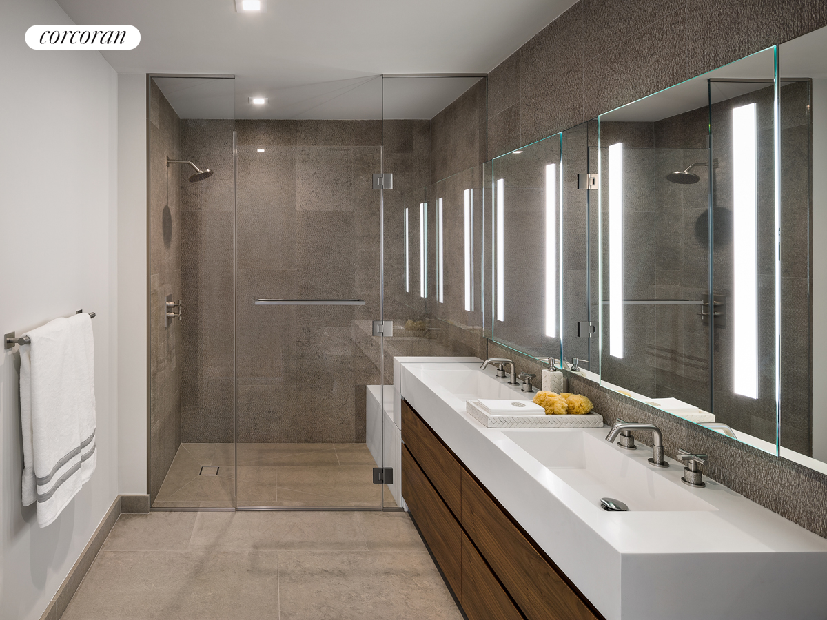 360 East 89th Street, 21B, Master Bathroom