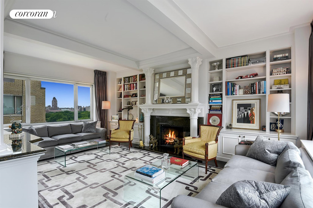 930 Fifth Avenue, 18H, Living Room facing Central Park