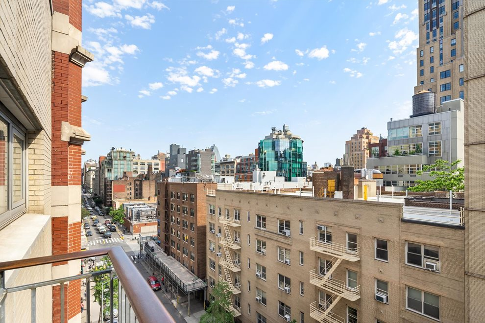 New York City Real Estate | View West 19th Street | room 3