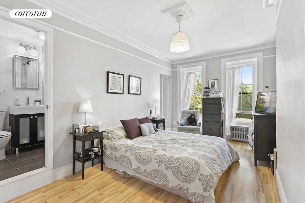 Rental Unit Bedroom With En-Suite Bath