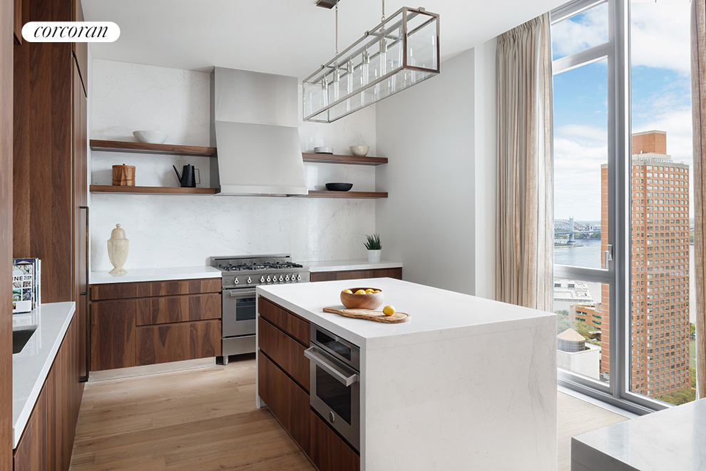 360 East 89th Street, 31B, Windowed Eat-in Kitchen