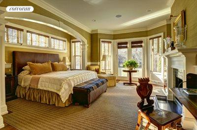 The Hamptons Real Estate | View 3 Eileen's Path | Master bedroom