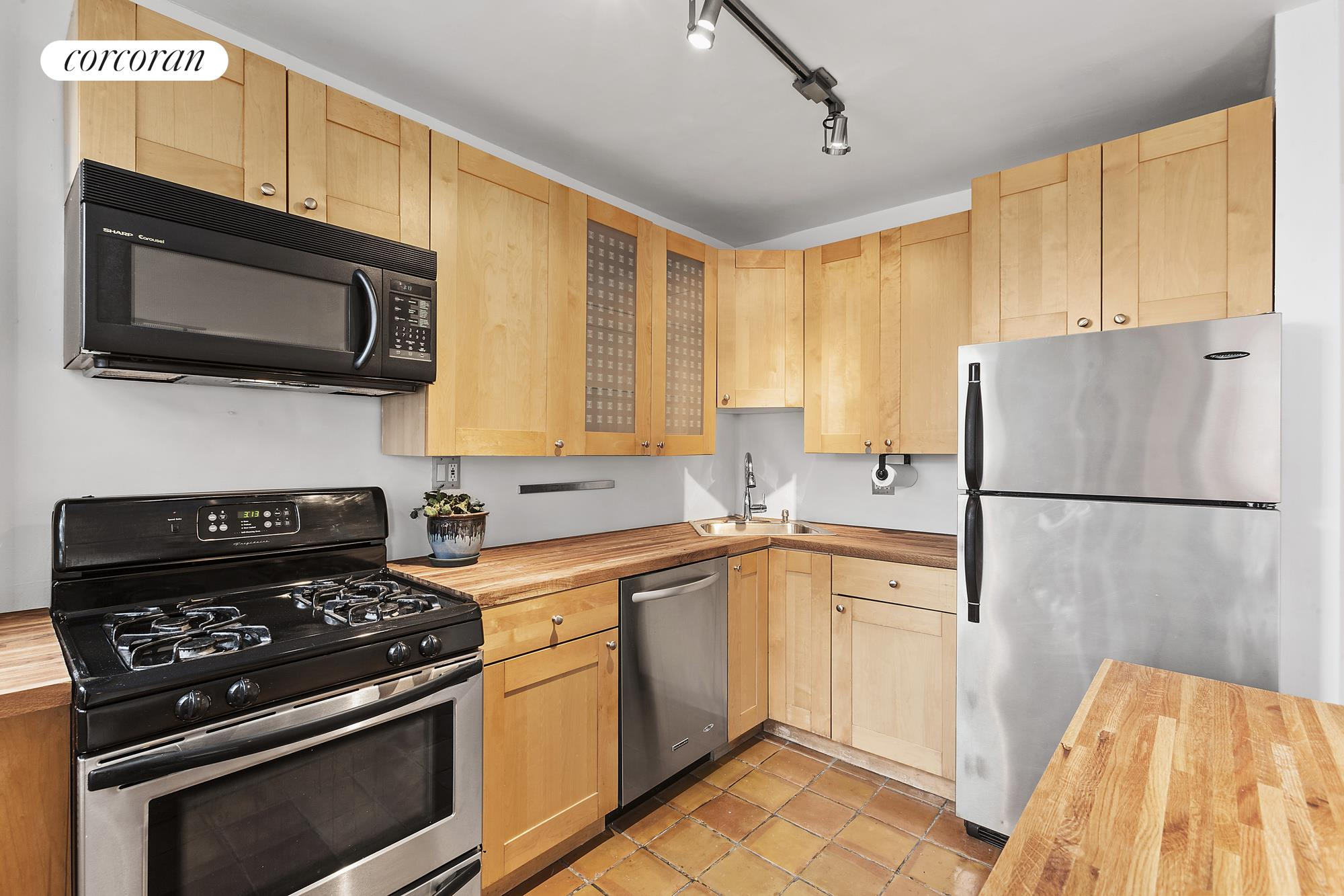 325 Clinton Avenue, 10F, Open city views