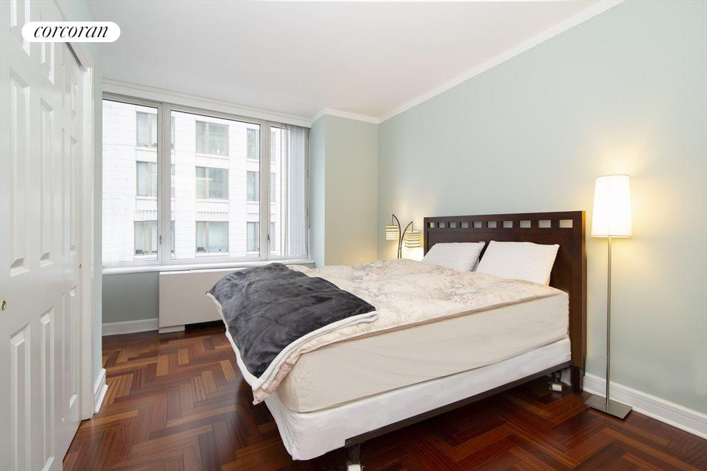 New York City Real Estate | View 220 Riverside Blvd, #8P | room 4