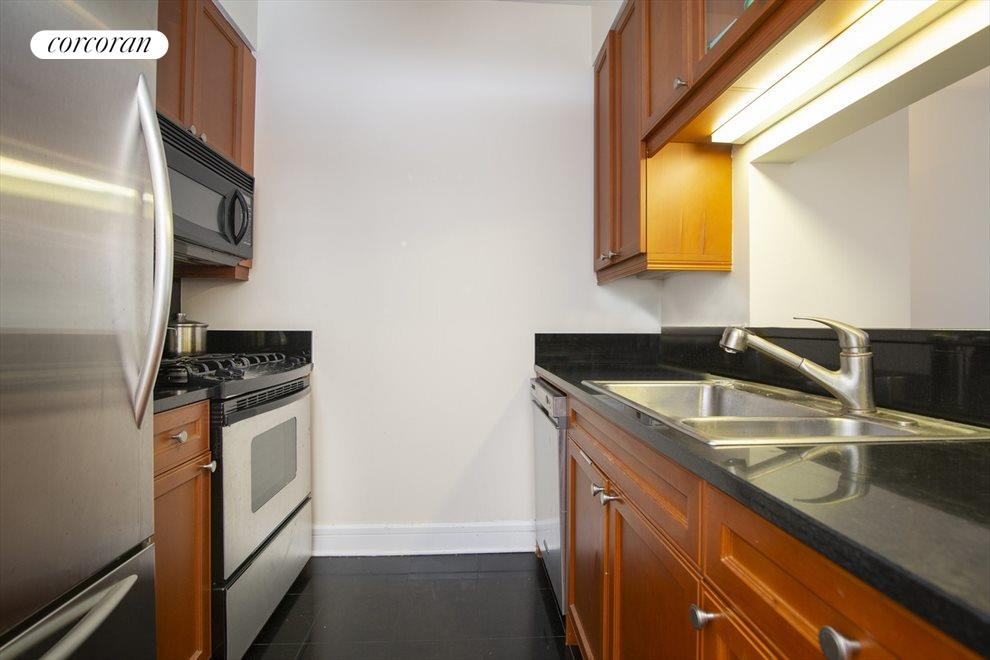 New York City Real Estate | View 220 Riverside Blvd, #8P | 1 Bed, 1 Bath