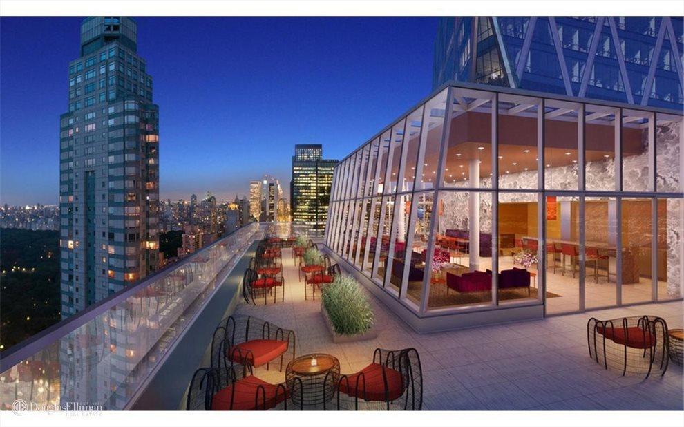 Terrace off Sunset Lounge