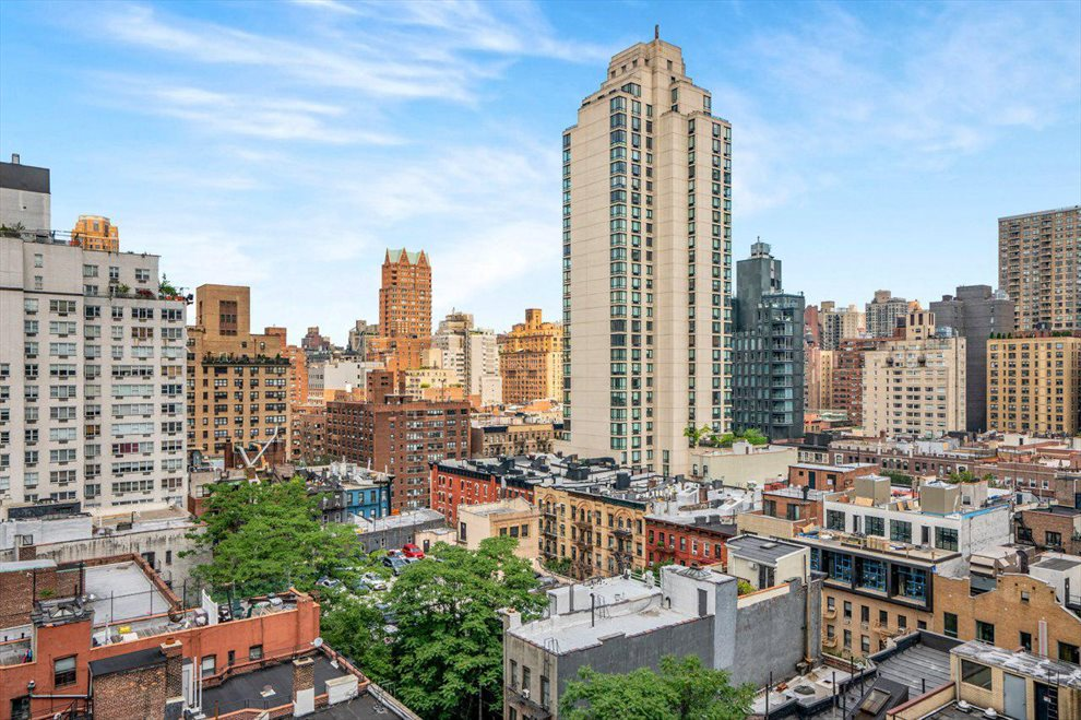 New York City Real Estate | View East 75th Street | room 4