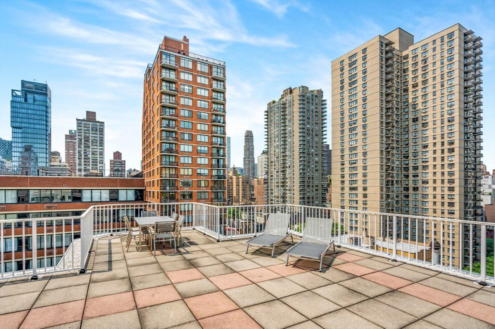 New York City Real Estate | View East 75th Street | room 5