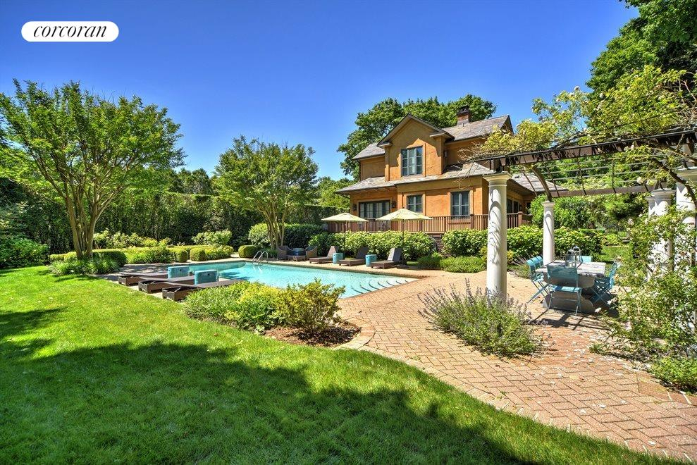Gorgeous property and pool