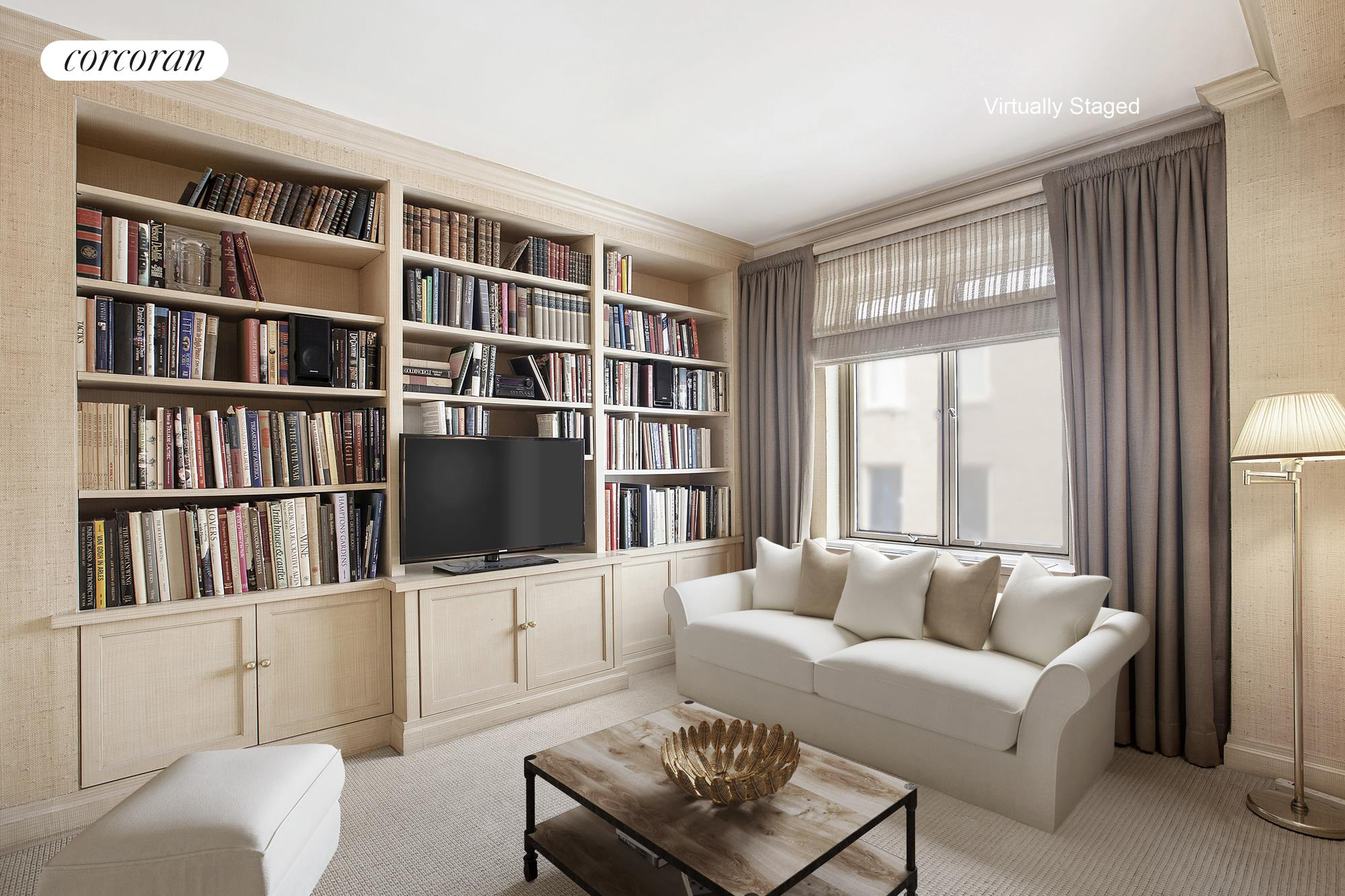 3 East 71st Street, 10E, Gracious entertaining living room