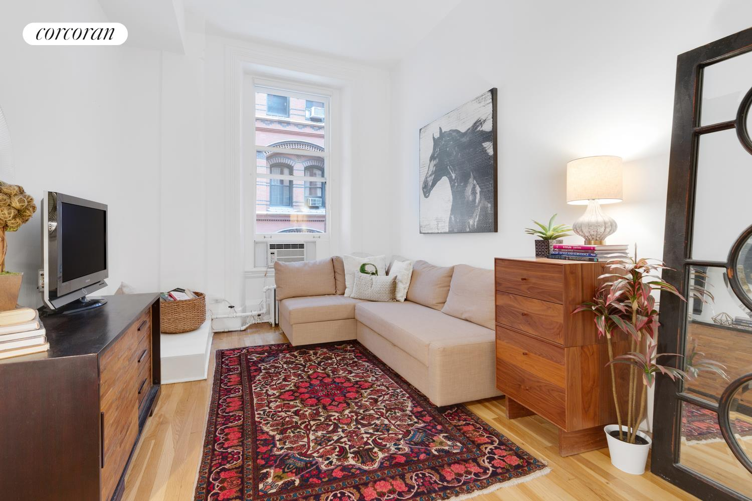 145 NASSAU ST, 4E, Living Room
