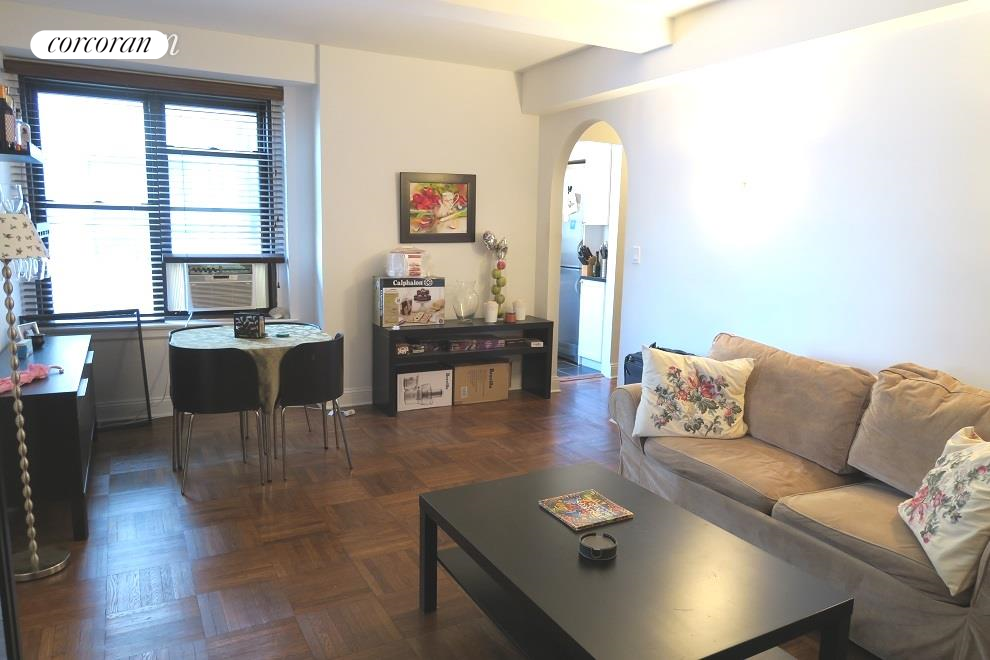 235 West End Avenue, 16G, Living Room
