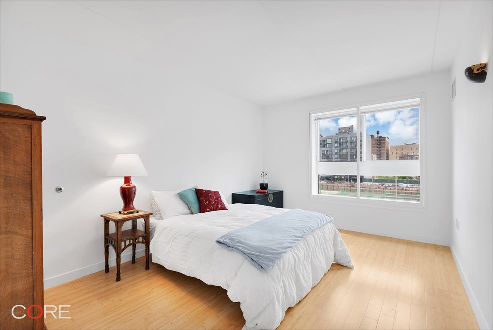 New York City Real Estate | View South Oxford Street | room 2