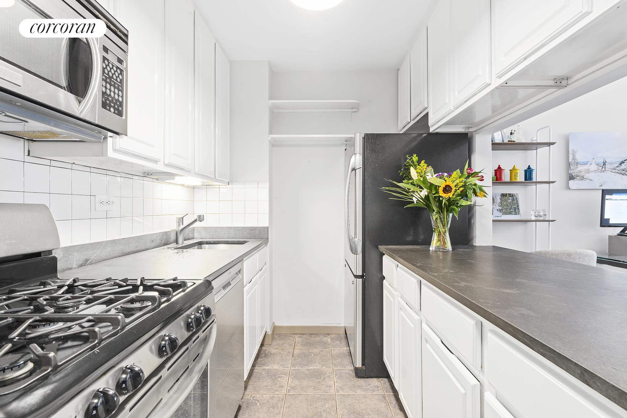 270 West 17th Street, 4K, Kitchen
