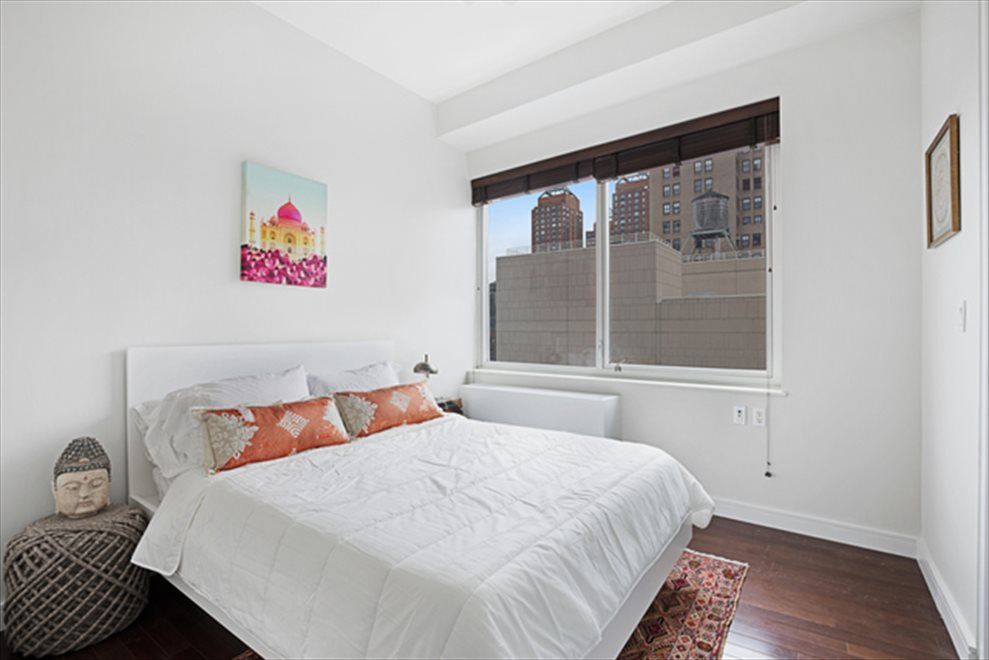 New York City Real Estate | View Union Square South | room 3