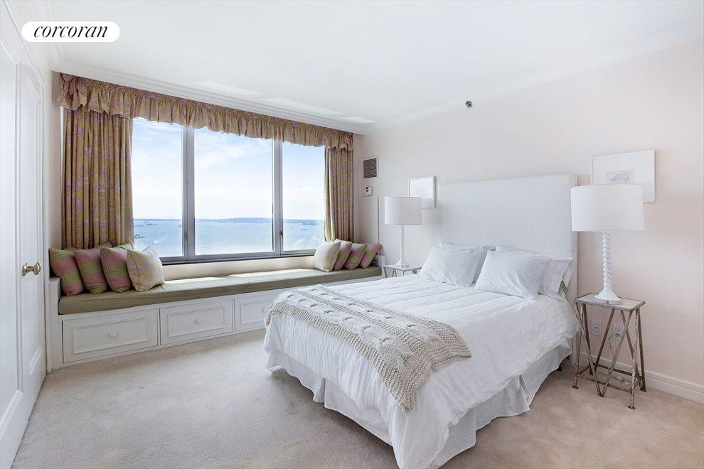 4th Bedroom with Direct Southern River Views