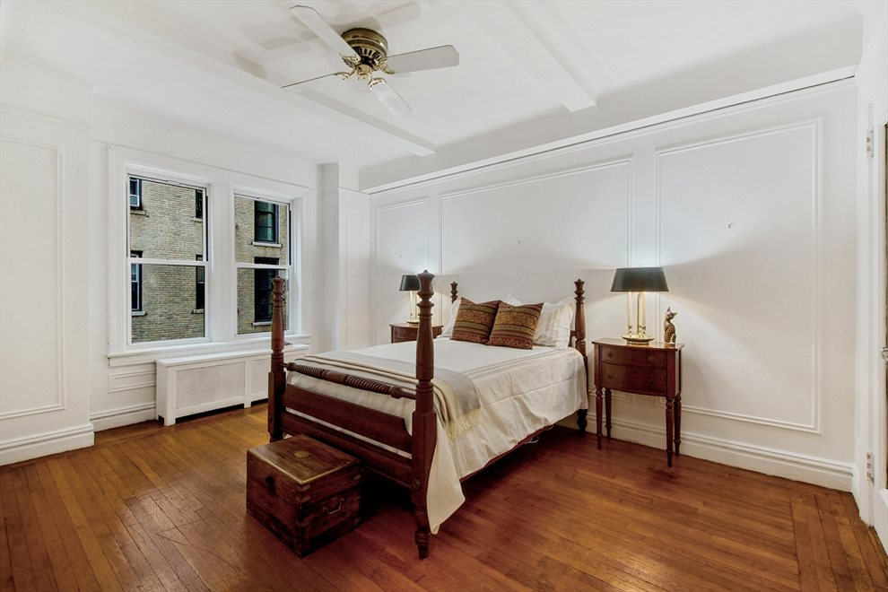 2nd king-size bedroom