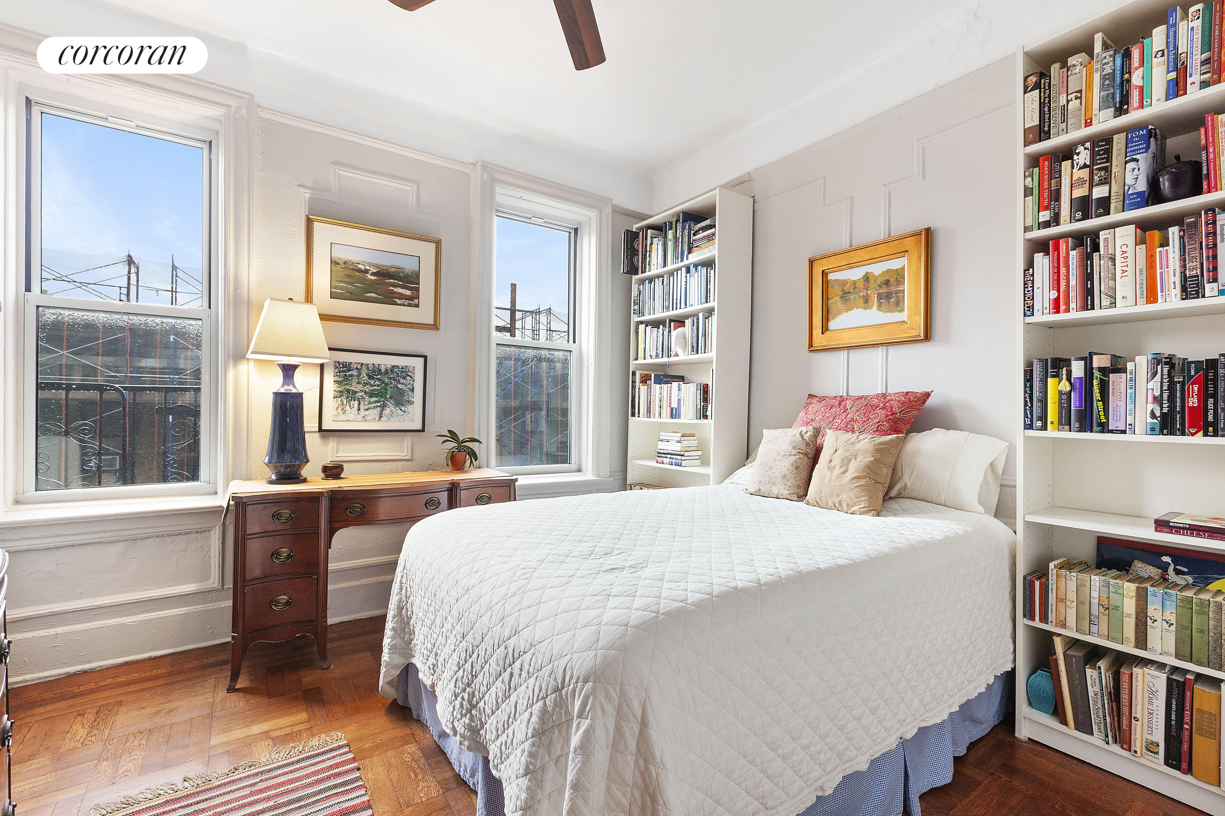 261 West 22nd Street, 33, Gracious Pre-war Living