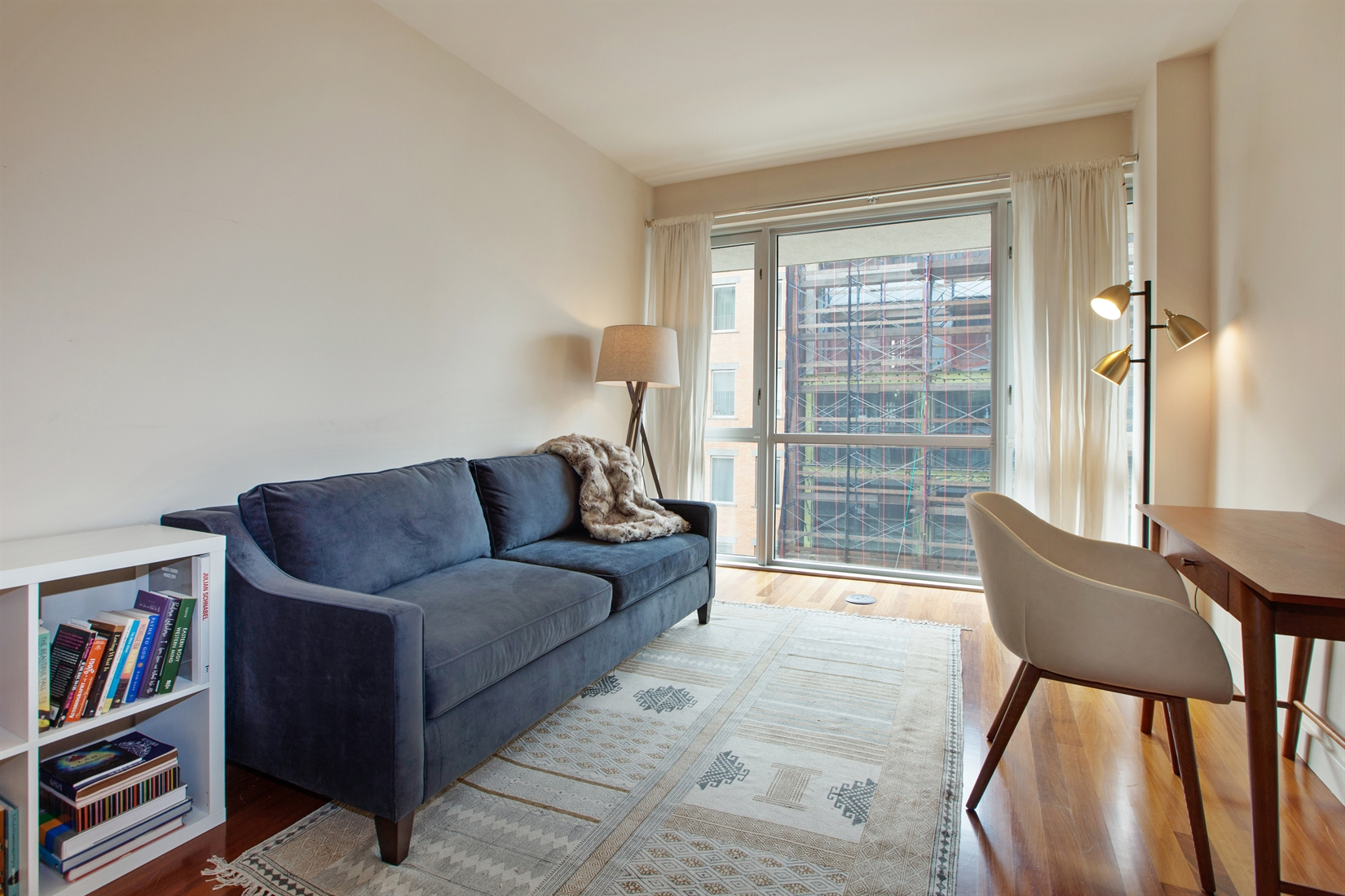 125 North 10th Street, S4E, bright Living | dining room with south exposure