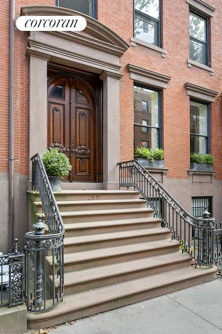 Beautiful Townhouse Living in Brooklyn Heights