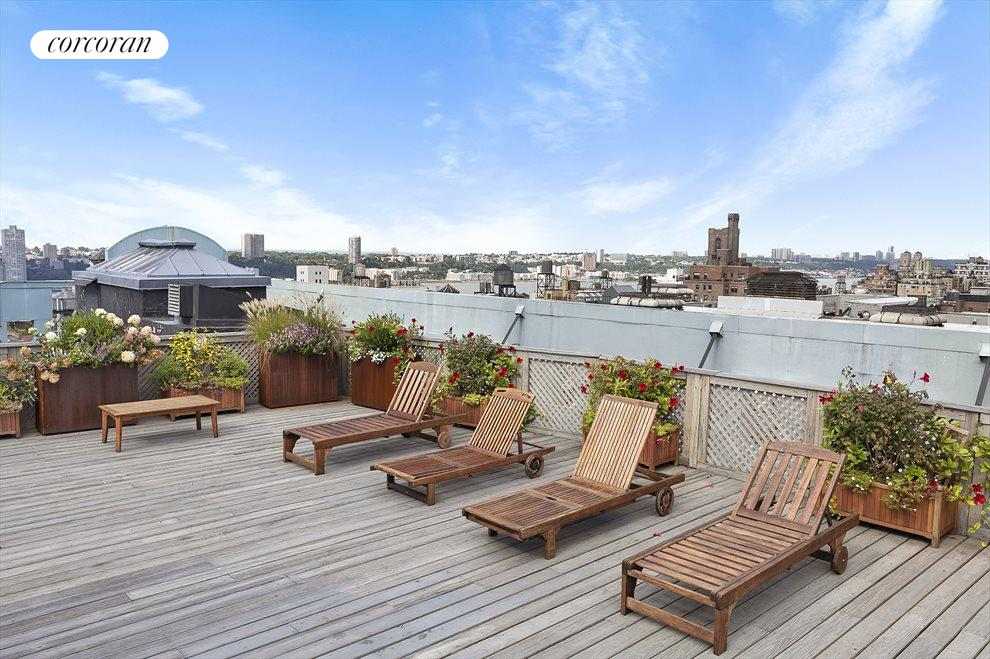 Beautifully Furnished Roof  w/360 degree views