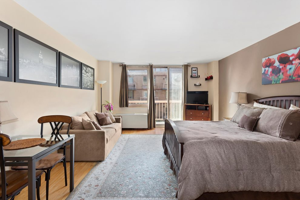 New York City Real Estate | View West 49th Street | room 2