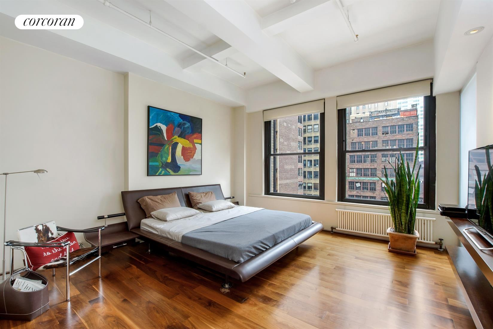 315 West 36th Street, 11D, Large Open Living Space