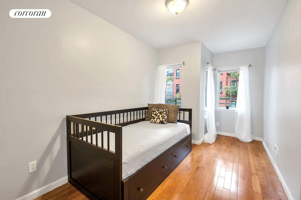 Guest room / home office / or nursery