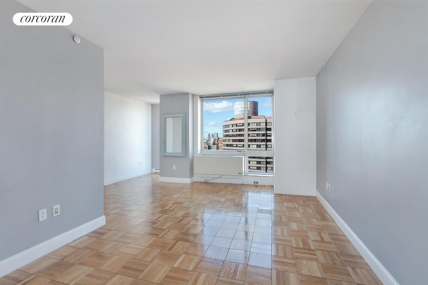 215 East 96th Street, 29K, Living Room