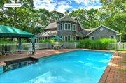 6 Holly Place, East Hampton