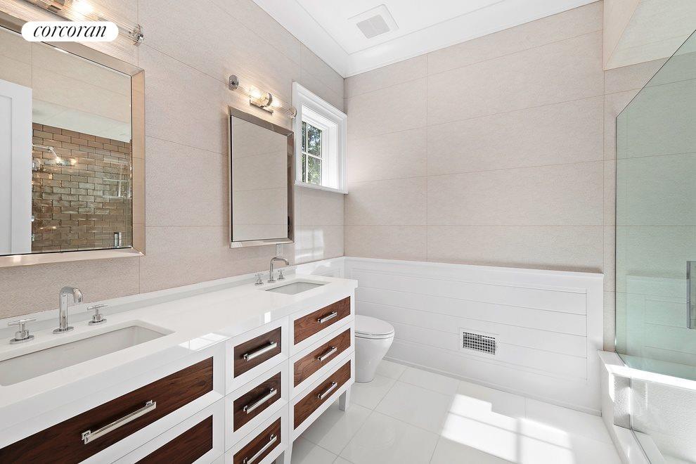 first floor guest bath en suite