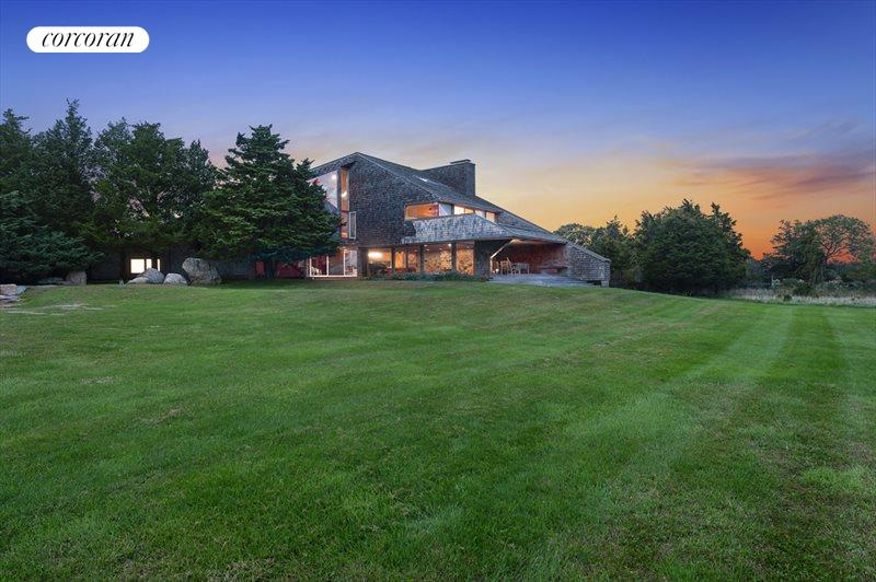 992 Springs Fireplace Road, East Hampton