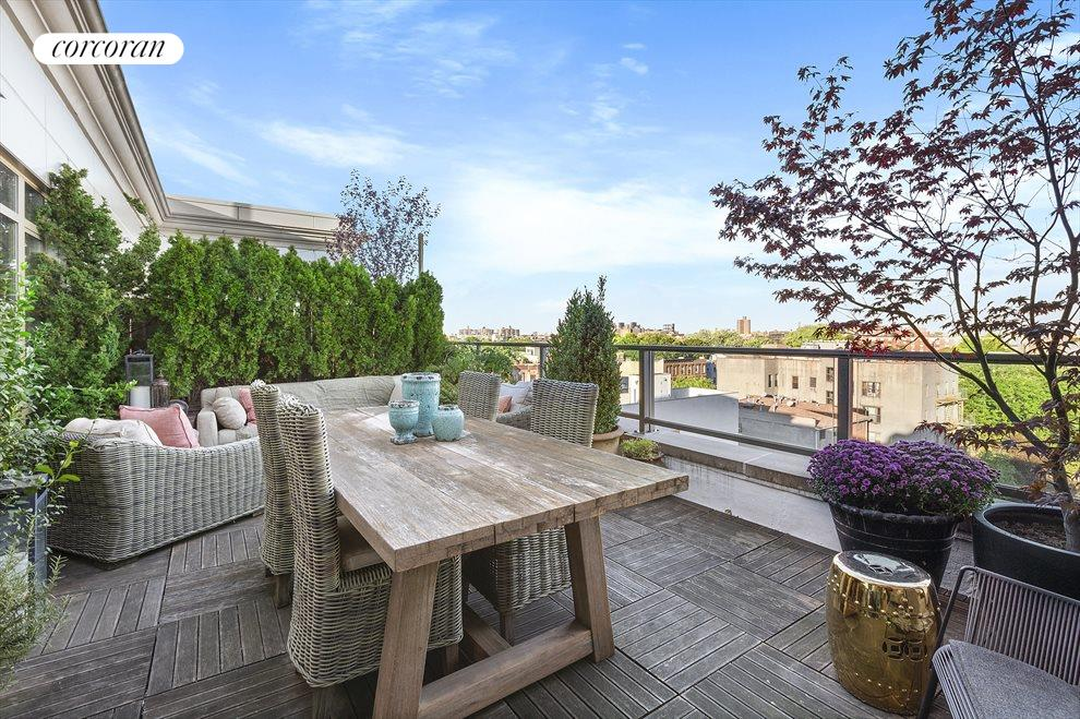 Rarely available private outdoor space