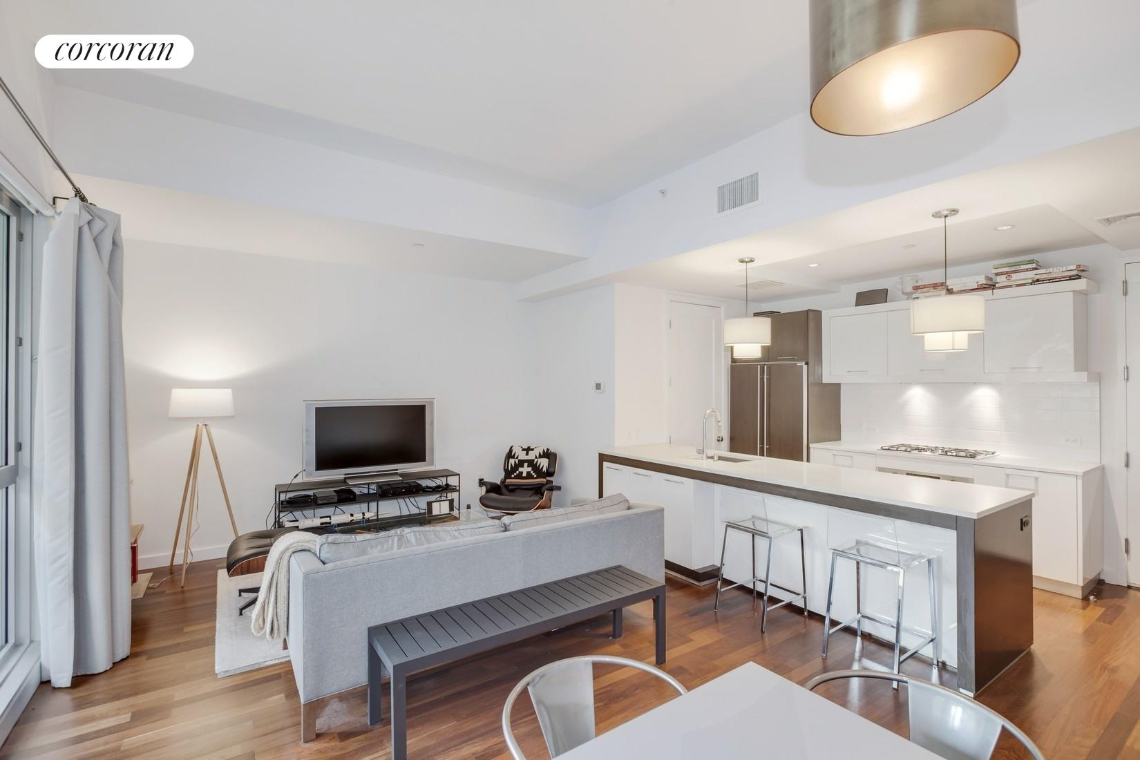 125 North 10th Street, SGE, spacious living|dining area with open layout