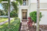 5204 Cambridge Court, Palm Beach Gardens