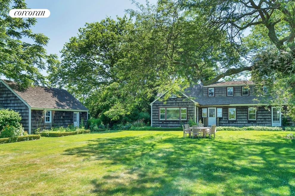 778 Sagaponack Main Street (778 Sagg Main Street), Select a Category