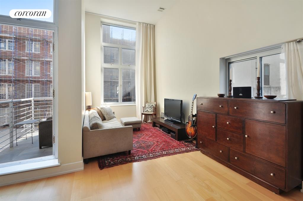 196-200 South 2nd Street, 4C, Living Room