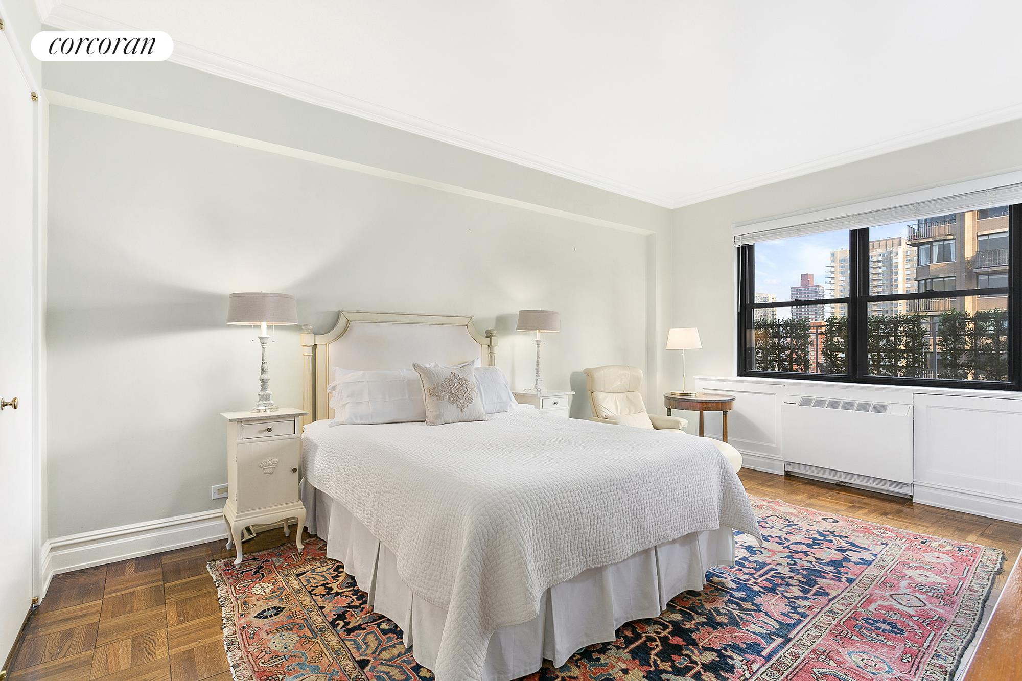 165 East 72nd Street, PHJ, Luminous Living Room with Impressive City Views