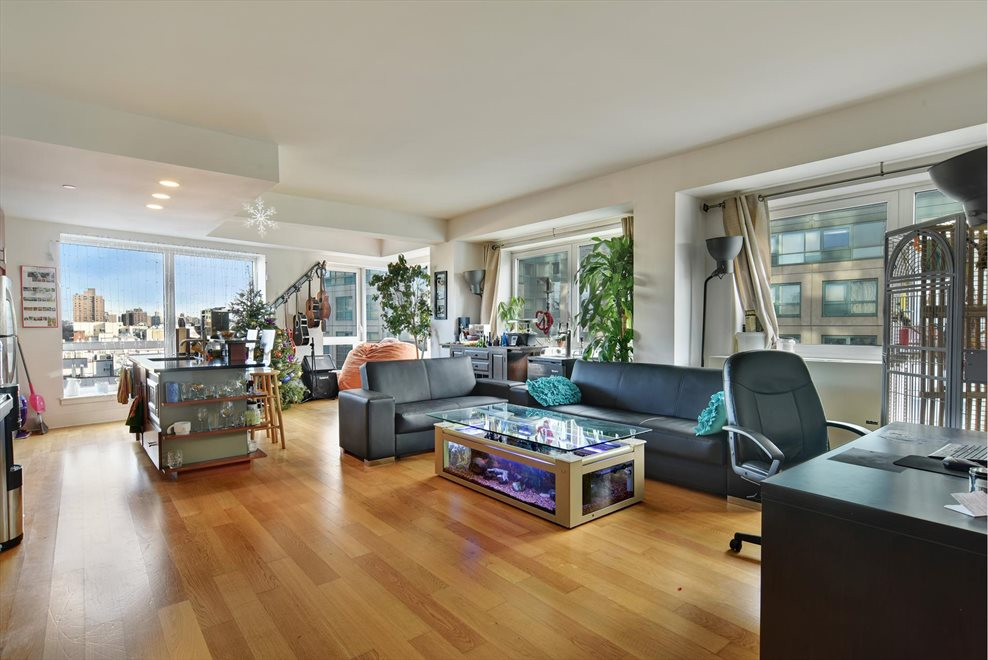 New York City Real Estate | View Kent Avenue | 2 Beds, 2 Baths