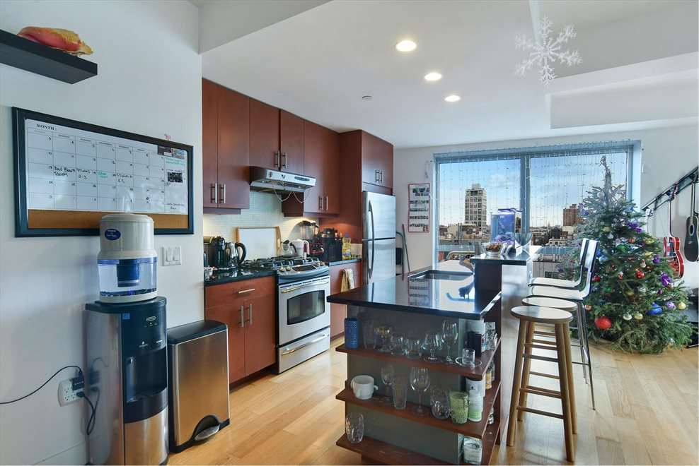 New York City Real Estate | View Kent Avenue | room 4